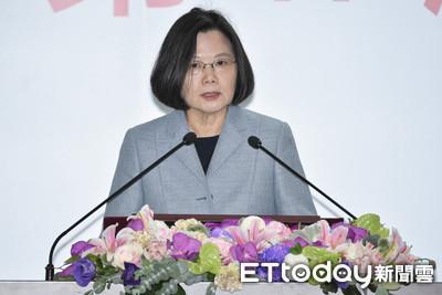 小英召集豬瘟會:大陸疫情失控!一包香腸摧毀台灣產業