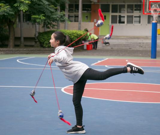 ▲民俗體育競賽,流星球。(圖/台南大學提供)