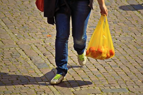 ▲▼ 塑膠袋,購物袋,超市購物袋 。(圖/取自免費圖庫Pixabay)