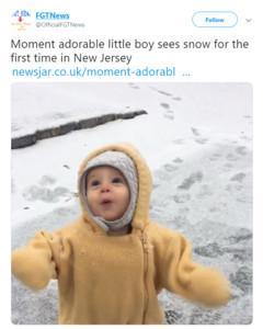 男孩初見雪!興奮狂甩「小搜搜」 模樣超萌