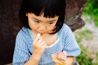 雷龍嬤買薯餅餵食吐血孫