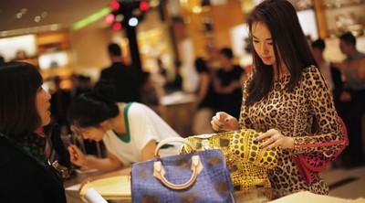 大陸女性奢侈品消費力 居全球之冠