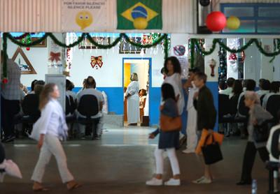 巴西靈療師涉性侵300女 通緝後主動投案