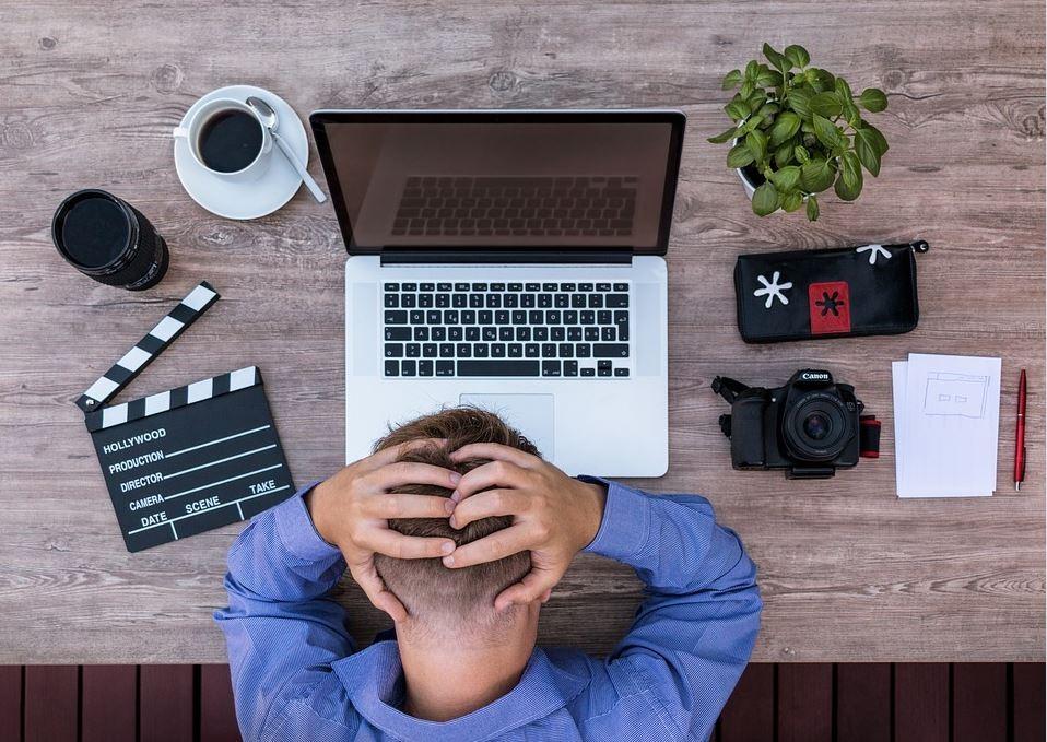 ▲工作上的舊愛症候群(圖/取自免費圖庫pixabay)