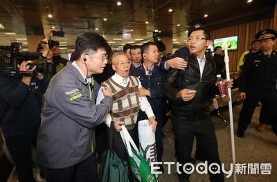 影/雙城論壇訪問團抵台 台灣國抗議
