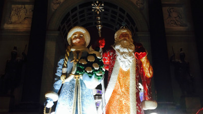 俄式酸奶│俄國一年過2次聖誕節!當地版聖誕老人穿藍色 還帶幼齒妹