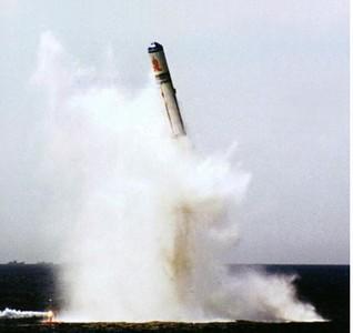 陸官方公開094核潛艇「大黑背」