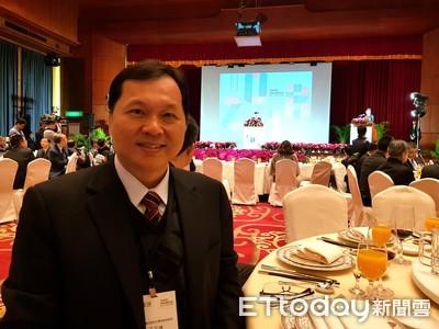 王正坤感受柯文哲「重經濟輕政治」