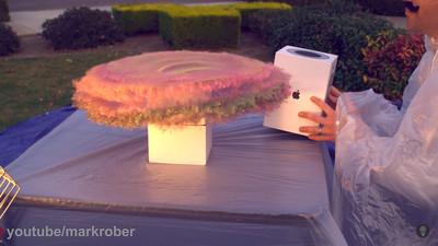 Surprise!門口包裹狂被偷 前NASA工程師製「臭氣閃粉彈」狠虐小偷