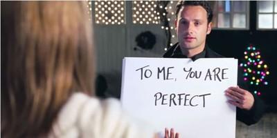 趁聖誕告白超像跟蹤狂 《愛是您愛是我》靠演技飆出深情經典
