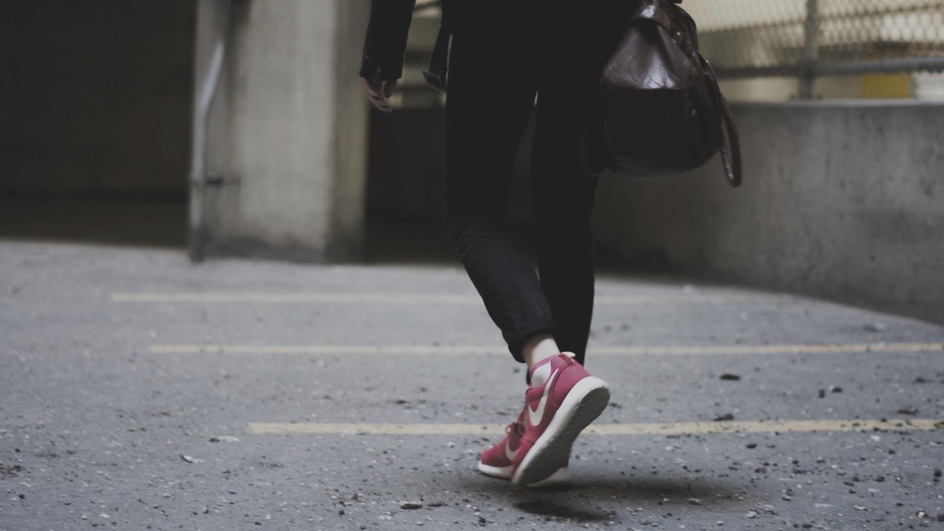 ▲走路,步行 。(圖/取自免費圖庫pixabay)