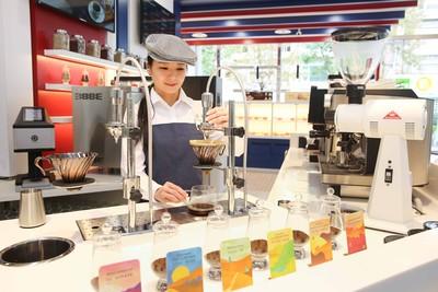 24小時小7咖啡書店還能免費充電