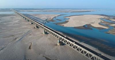 距中國僅20公里 印度鐵路橋完工
