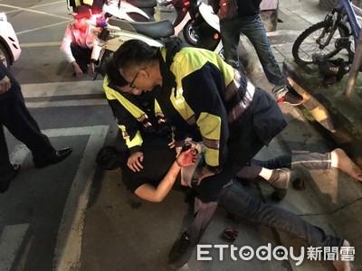 醉男怒砸車窗 中和爆街頭亂鬥