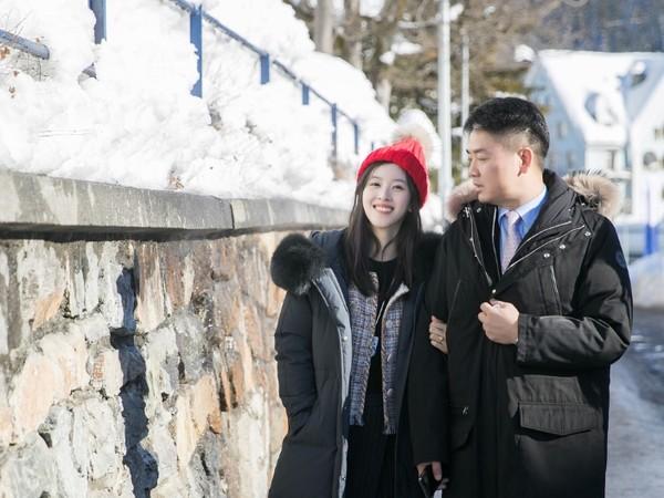▲奶茶妹妹章澤天和劉強東聖誕節出遊。(圖/翻攝自章澤天Instagram)