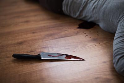 殺嬰男出獄 遭鄰居150刀捅死