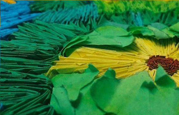 ▲▼ 馬來西亞50歲婦女Laily Abdul Hamid利用女兒作業剩下的廢紙再創作。(圖/翻攝自IG/lailyhamid.art)
