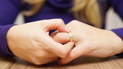 30年夫妻離婚「兒女全反對」 她氣哭:好不容易捱到你們成年