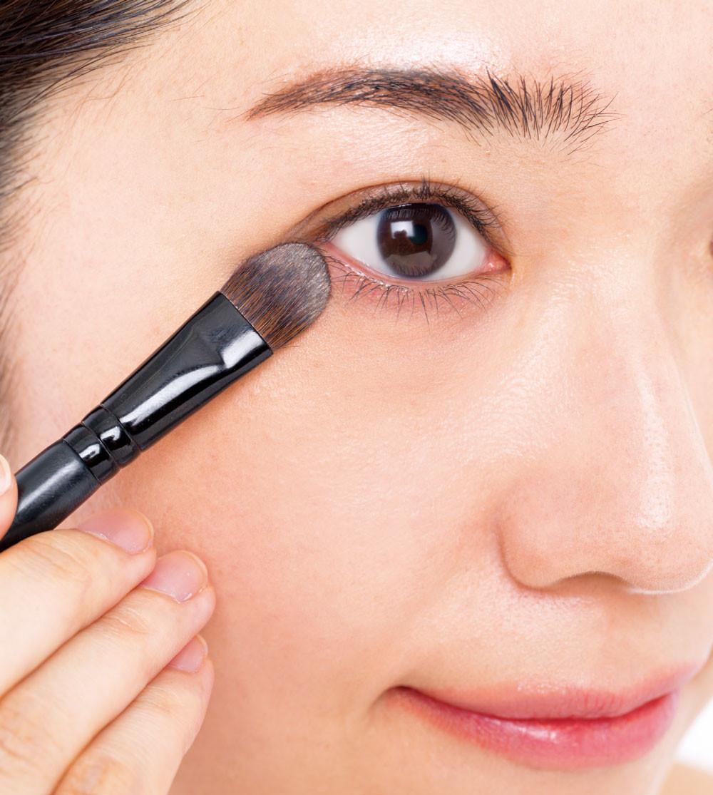 ▲《完妝後就是美人:大人的化妝書II:任何狀況都能完美修飾的專業技巧》。(圖/悅知文化提供)