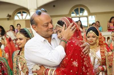 印度富爸爸認了3000個乾女兒 只為「送嫁妝」讓貧窮女能有真愛