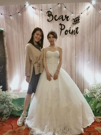 ▲▼劉品言小6歲姪女結婚了!(圖/翻攝自Facebook/劉品言 Esther LIU)