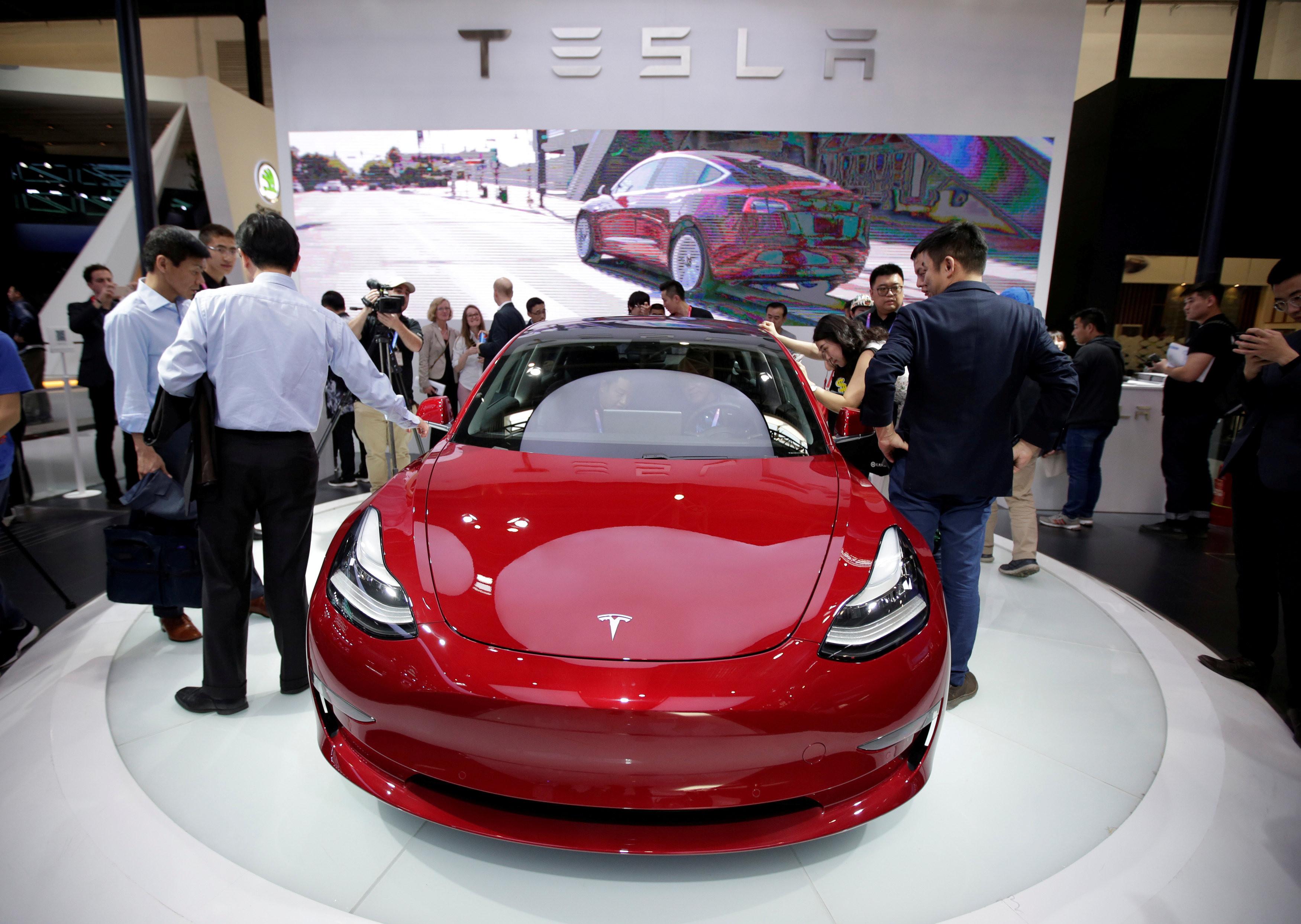 特斯拉Model 3產能步入正軌 執行長Elon Musk推特發文拱促銷(圖/路透社、推特)