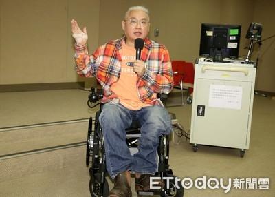 郭董推身障保險 他:終於有人注意