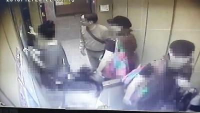 跟蹤母女搭電梯到家門 說完「抱歉」秒狂奔