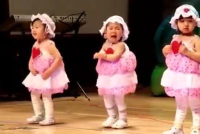 萌娃台上跳哭但舞步超完整 萌翻眾人