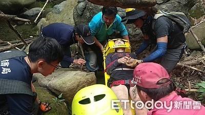 攀都蘭落山谷 澳洲女遭石頭壓傷