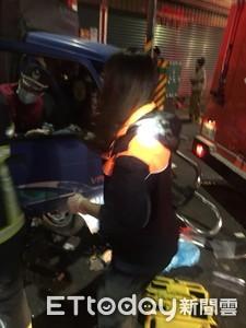 萬丹自小客車擦撞小貨車 5人受傷