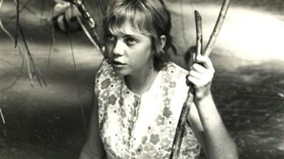 飛機遇雷擊空中解體 17歲少女獨自穿越亞馬遜 聽爸爸的話保住一命