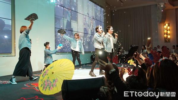 ▲東森購物電行團隊台中尾牙,王令麟、盧秀燕到場。(圖/記者曾雅玲攝)