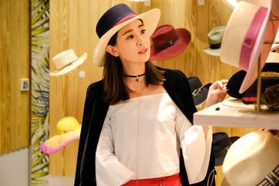 李晶晶是帽控 「Outfit更有型」