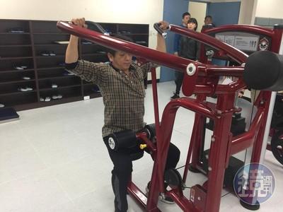 警局健身器材太少 館長霸氣捐200萬器材