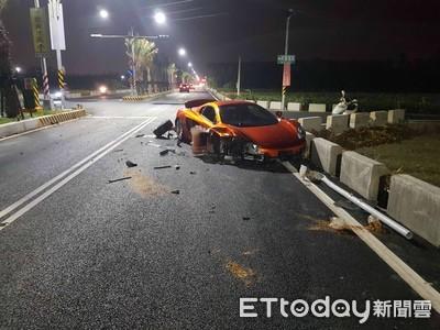 麥拉倫撞爛車頭右輪噴飛 網:維修費幾百萬...