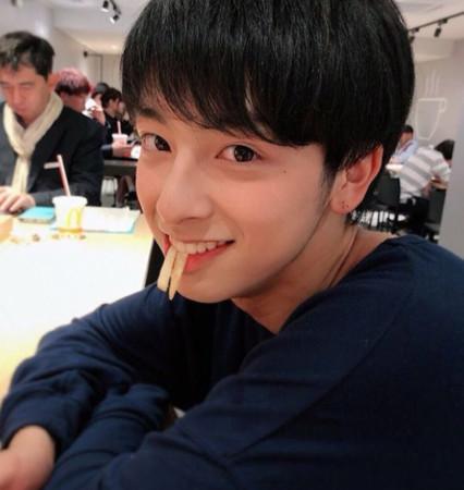 日本2018年最帥高中生。(圖/翻攝自新原泰佑IG)