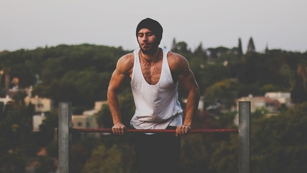 健身男(圖/取自免費圖庫pixabay)
