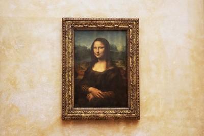 《蒙娜麗莎》看著你?研究:是錯覺