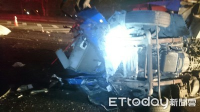 國道南下嘉義水上路段4車追撞 1死3傷