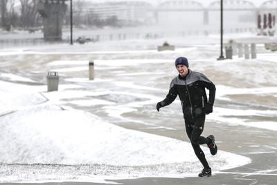 暴風雪強襲美國中西部!7人死亡
