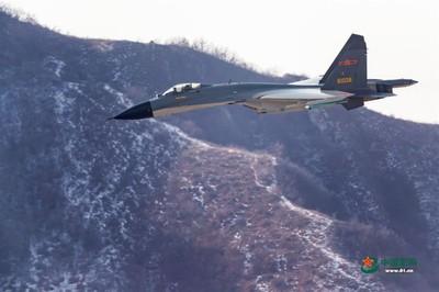 陸機越台海中線 中評社:慢慢就習慣了