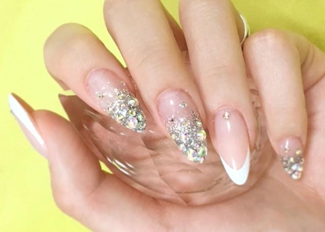 ▲水晶指甲。(圖/取自免費圖庫photoAC)