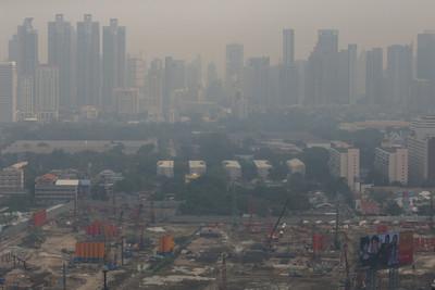 曼谷霧霾危害等級 能見度1公里