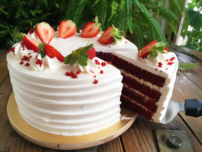 「紅色」的巧克力紅絲絨蛋糕