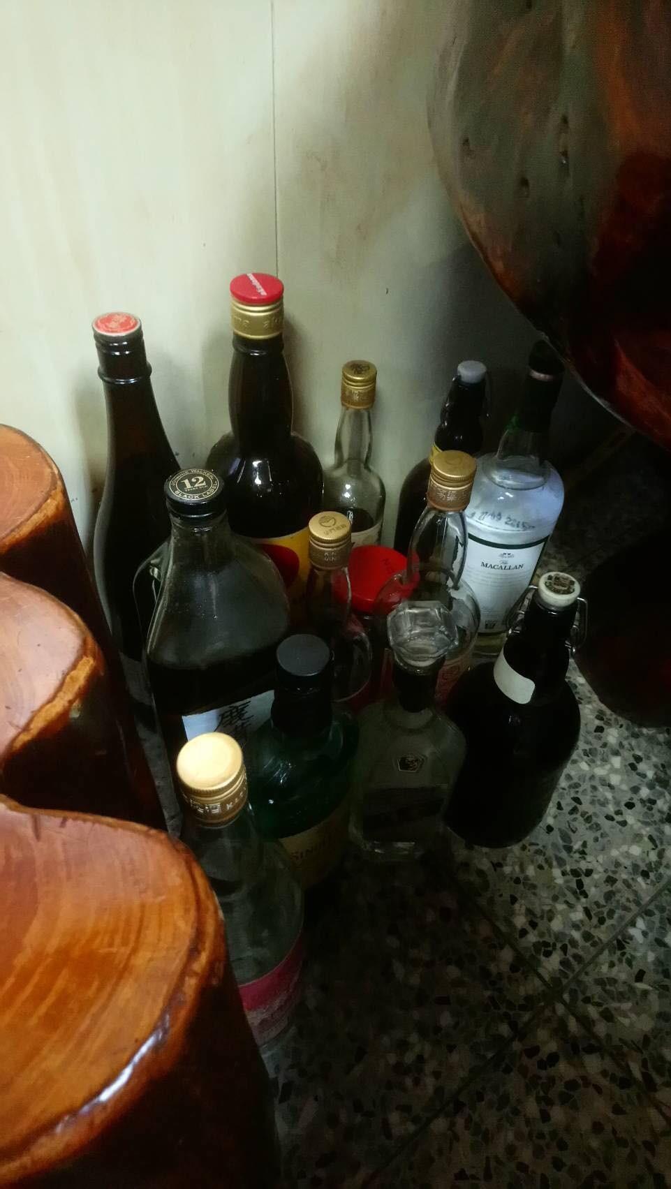 ▲▼ 失業的父親整天只會酗酒。(圖/小檸檬供稿專用)