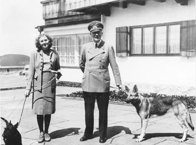 納粹希特勒唯一弱點!嬌妻以「自殺博關注」 婚後40小時同歸於盡