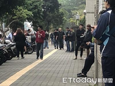 「小孩被4個大人玩死」上百人聚集台南地檢