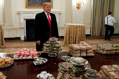川普漢堡拼錯寫hamberders秒刪文