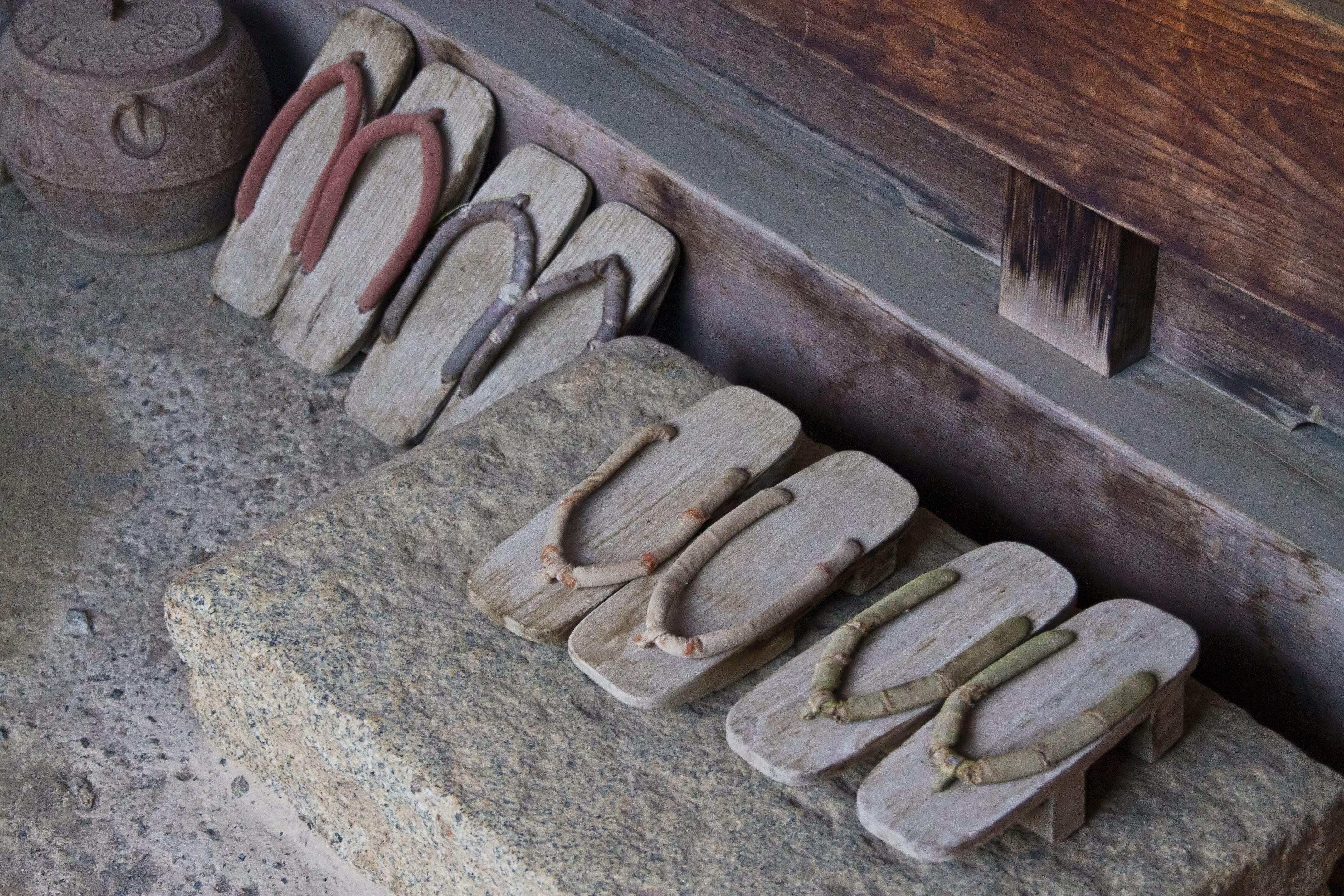 ▲門口,鞋子,玄關。(圖/取自免費圖庫pixabay)